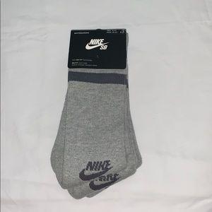 NWT Nike Skateboarding Calf High Socks